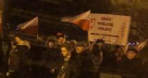 """У Перемишлі """"польські орлята"""" промаршували біля Українського дому, вигукуючи """"смерть українцям"""" (відео)"""