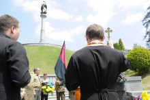 У Львові поховали професора Паризького університету, який навчав сьогоднішніх декомунізаторів
