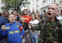 """Про """"режим внутрішньої окупації"""", """"Третій Майдан"""" і що змінилось з часів Януковича?"""