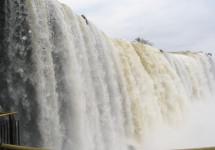 6. БРАЗИЛІЙСЬКА УКРАЇНА: Фос-ду-Іґуасу (Водоспад Іґуасу)