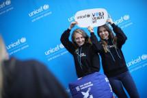 У Всесвітній день дитини у Києві ЮНІСЕФ ініціював Маніфест української молоді та підсвітив хмарочоси