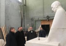 На місці майбутнього пам'ятника Омелянові Ковчу заклали перший камінь