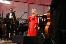 Марія Бурмака виступила з симфонічним оркестром  Зламана нога не зіпсувала виступ