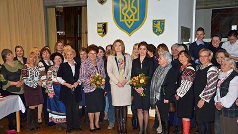 hrupeva znymka z pani Poroschenko