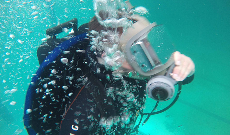 Inside-divers