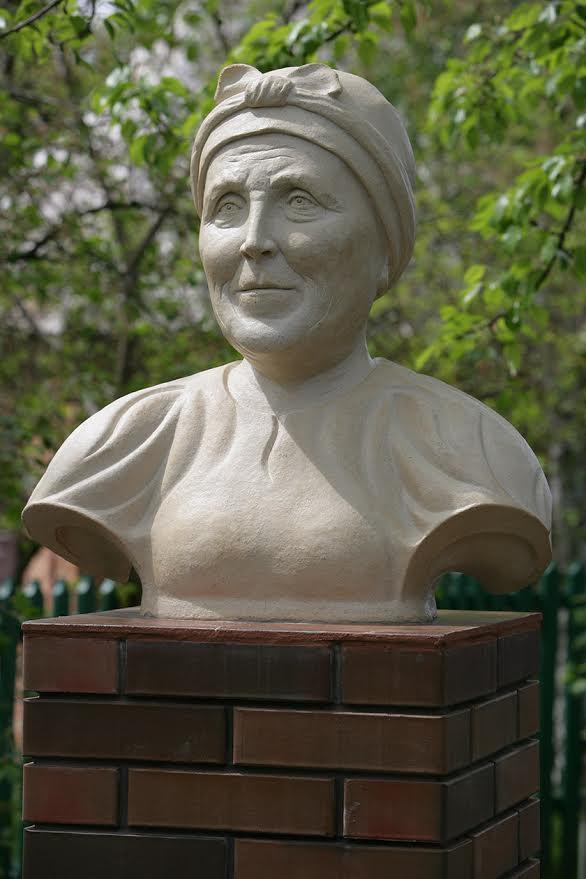 seluchenko-bust