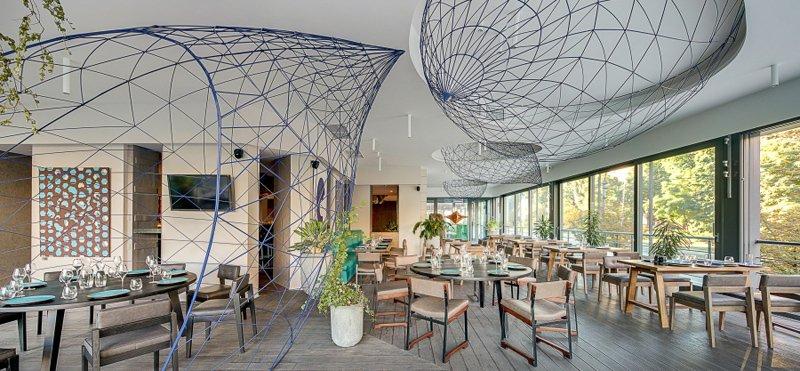 x4-ukr-restaurants-eur-awards-2.jpg.pagespeed.ic.ZNMBhNhCuE