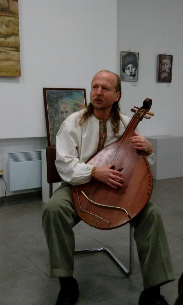 Бандурист Тарас Силенко