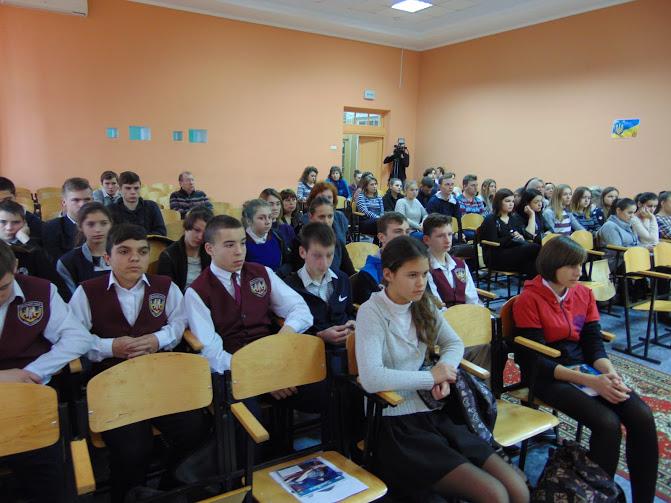 молодь на круглому столі-2
