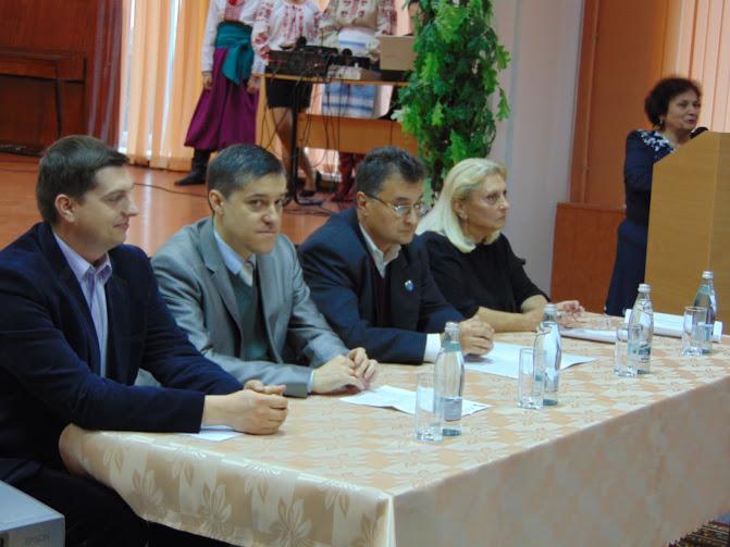 у президії круглого столу-Рибалко,Олег Пустовгар,Тарас Пустовіт,Алевтина Ключинська