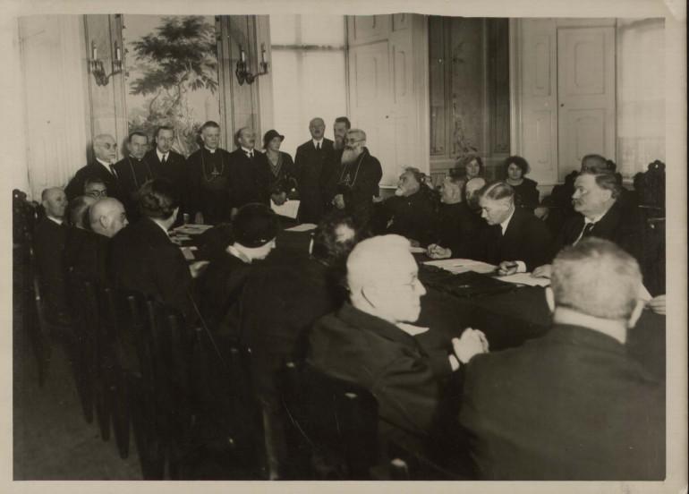 Конференція у справі голоду в Україні у палаті кардинала Т. Іннітцера. Відень, 16 – 17 грудня 1933 року